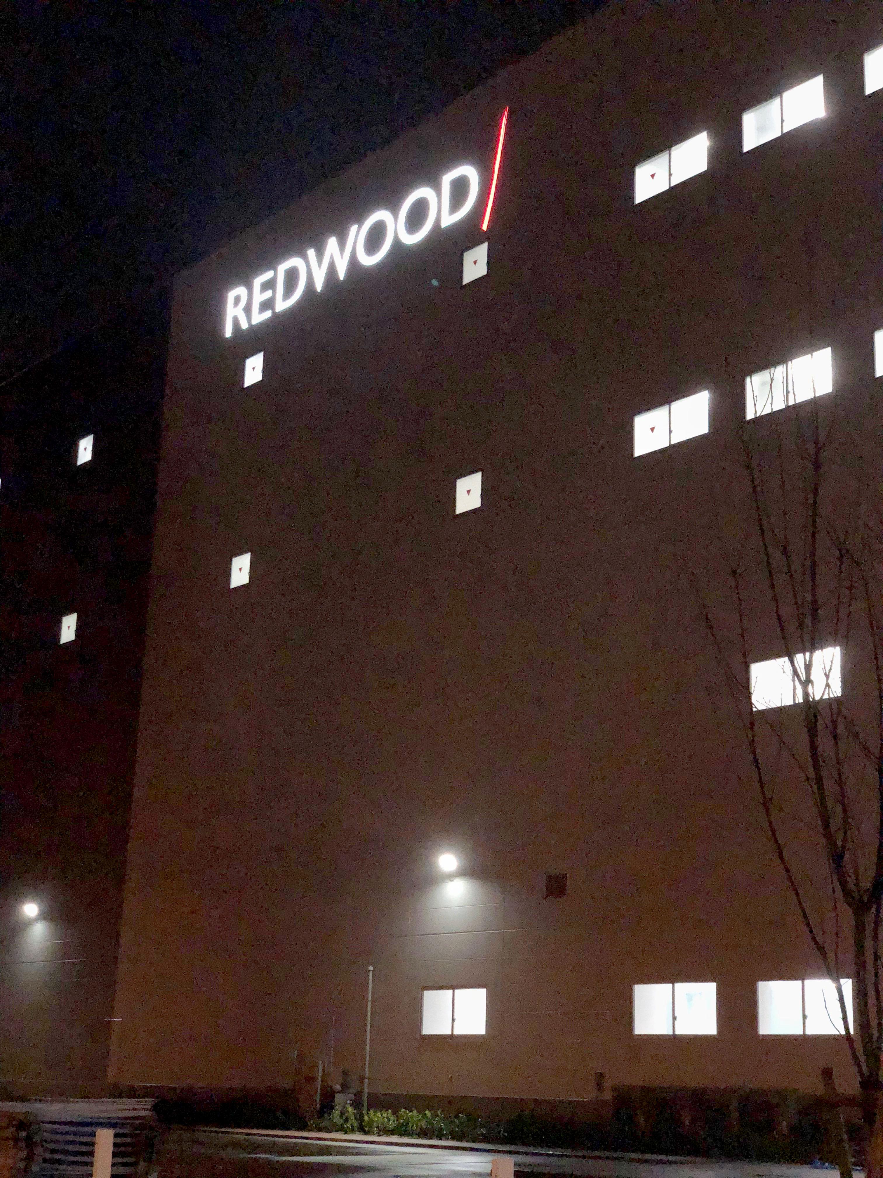 REDWOOD LEDサインのアイキャッチ